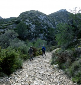 Stien mod Ebo er meget stenet nogle steder